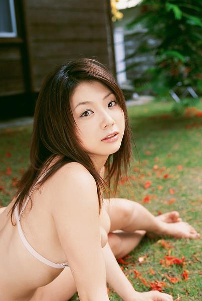 hitomi_touchme_56.jpg