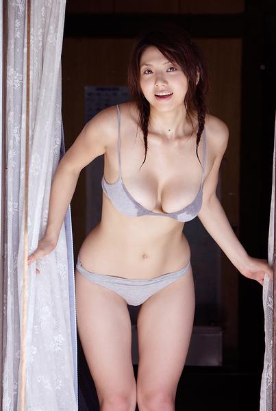 hitomi_touchme_60.jpg