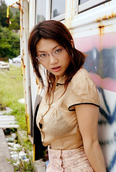 hitomi_touchme_09.jpg