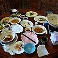 餐後空盤一堆