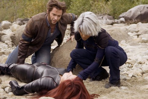 Famke-Janssen-Halle-Berry-and-Hugh-Jackman-in-X-Men.jpg