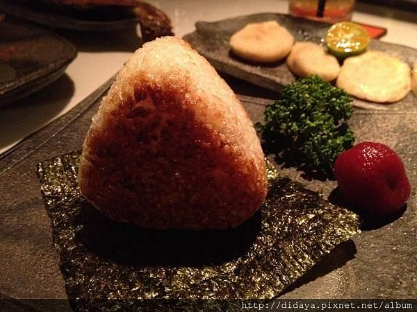 胡同 侍 串燒夜食-烤飯團(鮭魚起司)