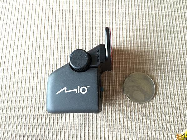 Mio Mivue 688D 前後雙鏡頭 行車紀錄器開箱-13