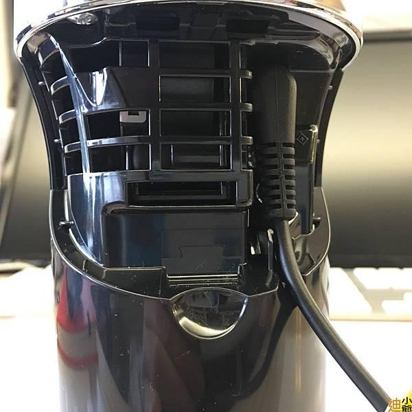 Panasonic 汽車用空氣清淨機(F-GMK01-K)