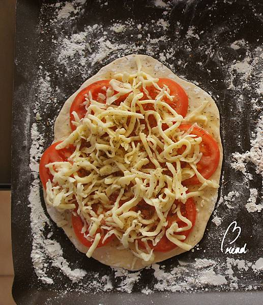 未烤的披薩