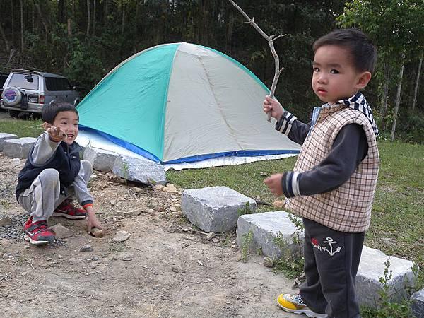@2011/04/2-4南投日月潭左岸松湖露營  - ~UNRV環球露營 -露頂家族