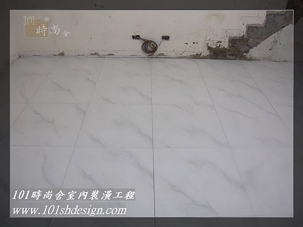 101時尚舍-室內裝潢工程-手扶梯.塑膠地磚工程06