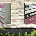 @美耐板檯面一字型 廚具工廠直營 作品-新北市三峽復興路許公館-水晶門板+一般把手+美耐板檯面+木心板白色桶身+不鏽鋼單水槽-(13).jpg