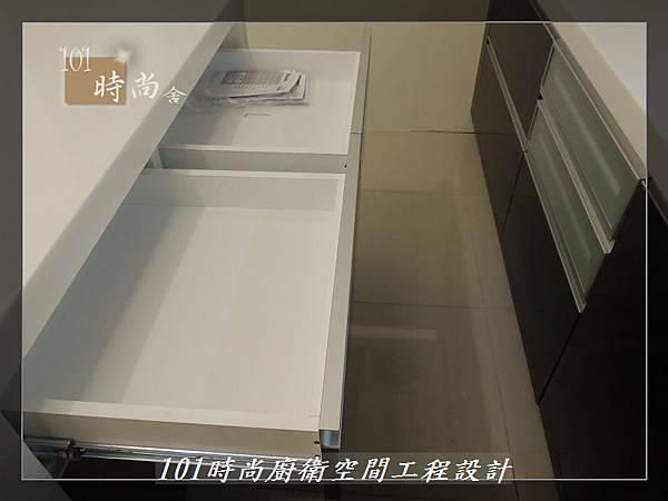 @廚具工廠直營 廚房設計一字型 作品分享:龜山王公館(97).JPG