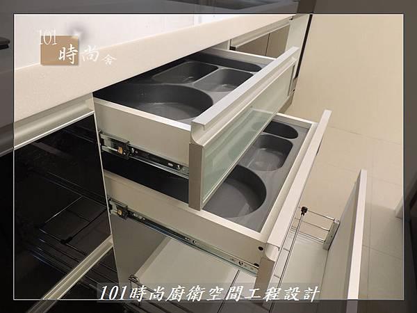 @廚具工廠直營 廚房設計一字型 作品分享:龜山王公館(93).JPG