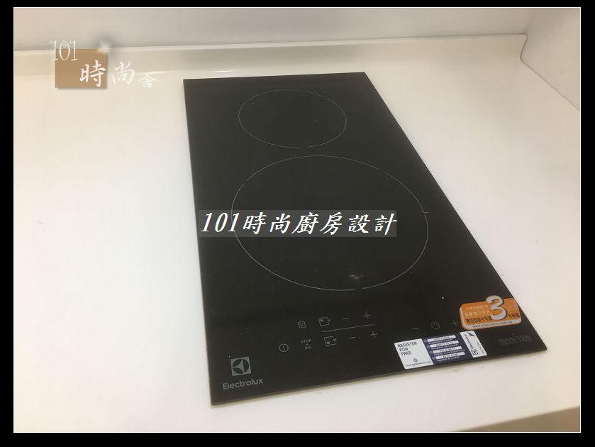 @廚房設計一字型  分享:士林黃公館 (71).JPG