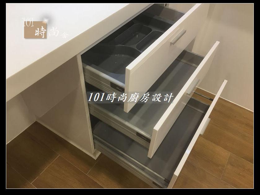 @廚房設計一字型  分享:士林黃公館 (77).JPG