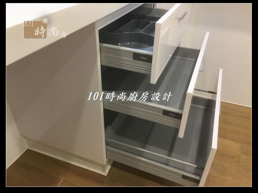 @廚房設計一字型  分享:士林黃公館 (78).JPG