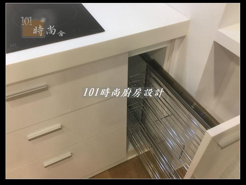 @廚房設計一字型  分享:士林黃公館 (101).JPG