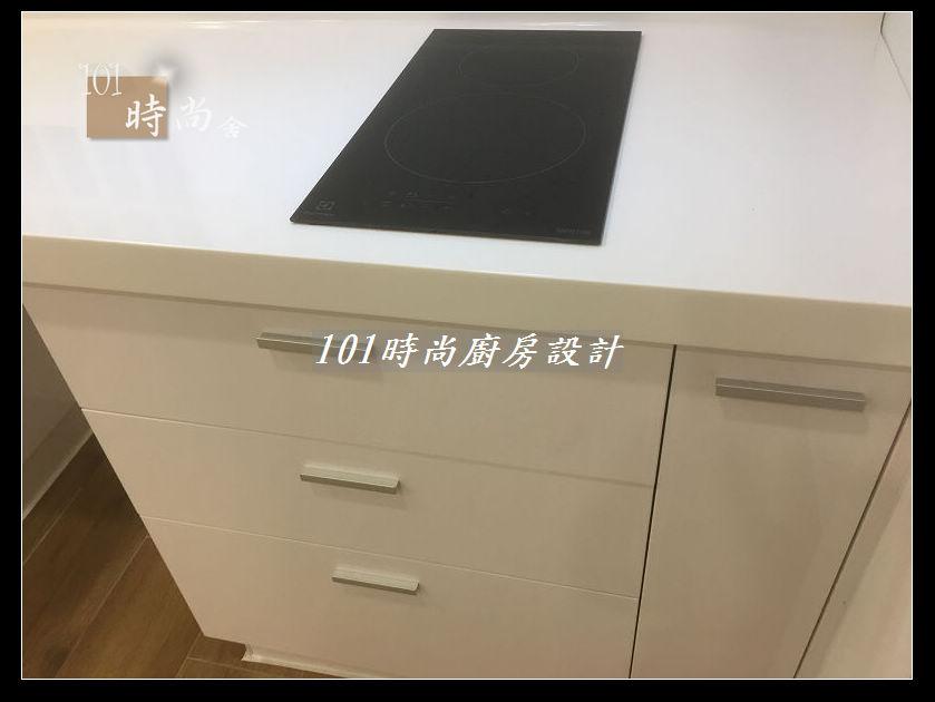 @廚房設計一字型  分享:士林黃公館 (100).JPG