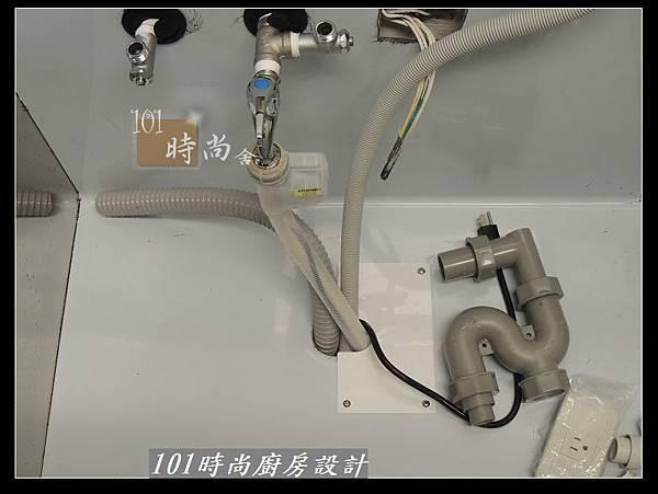 @二字型廚房設計 不鏽鋼檯面+中島櫃 廚具工廠直營 作品分享:政大二街(21).jpg