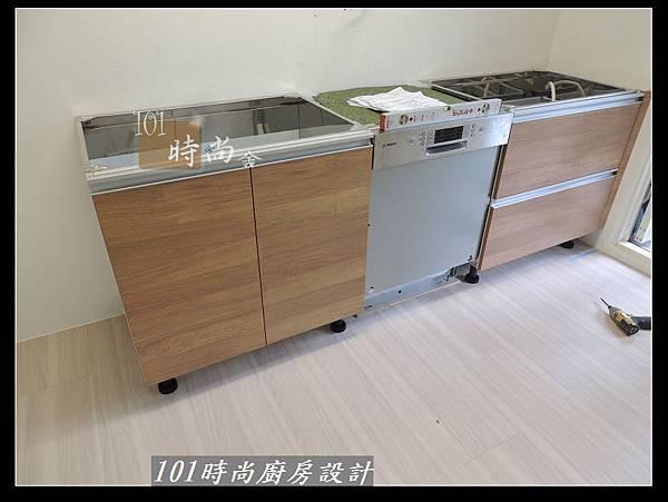 @二字型廚房設計 不鏽鋼檯面+中島櫃 廚具工廠直營 作品分享:政大二街(19).jpg