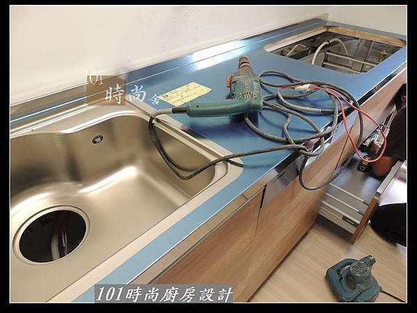 @二字型廚房設計 不鏽鋼檯面+中島櫃 廚具工廠直營 作品分享:政大二街(54).jpg