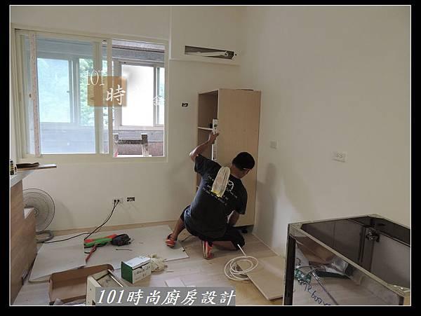 @二字型廚房設計 不鏽鋼檯面+中島櫃 廚具工廠直營 作品分享:政大二街(61).jpg