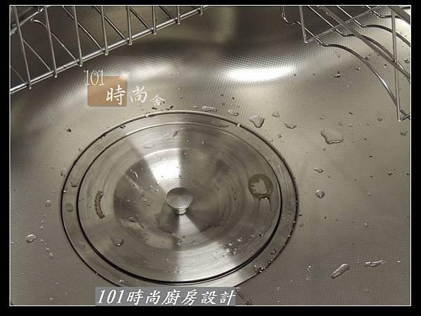 @二字型廚房設計 不鏽鋼檯面+中島櫃 廚具工廠直營 作品分享:政大二街(110).jpg