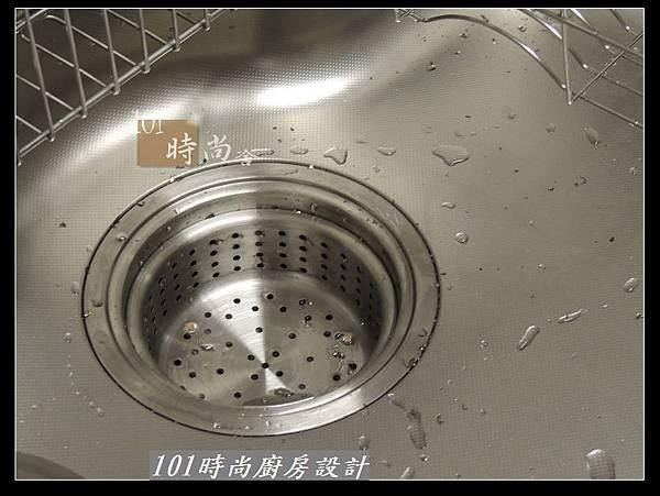 @二字型廚房設計 不鏽鋼檯面+中島櫃 廚具工廠直營 作品分享:政大二街(108).jpg