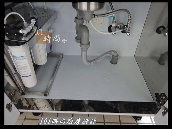 @二字型廚房設計 不鏽鋼檯面+中島櫃 廚具工廠直營 作品分享:政大二街(122).jpg