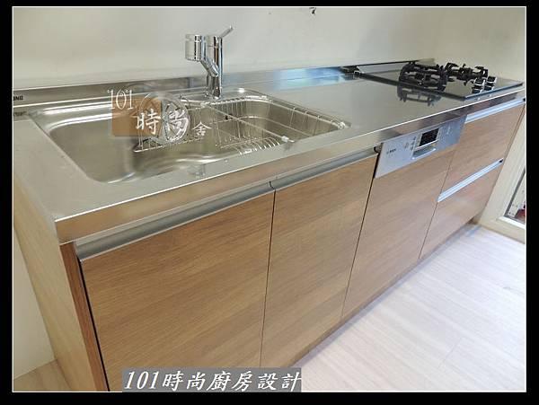 @二字型廚房設計 不鏽鋼檯面+中島櫃 廚具工廠直營 作品分享:政大二街(131).jpg