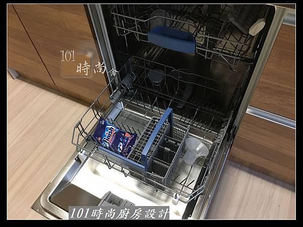 @二字型廚房設計 不鏽鋼檯面+中島櫃 廚具工廠直營 作品分享:政大二街(147).jpg