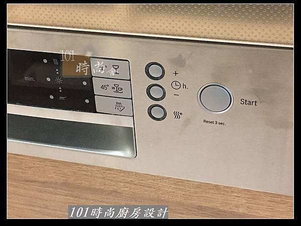 @二字型廚房設計 不鏽鋼檯面+中島櫃 廚具工廠直營 作品分享:政大二街(150).jpg