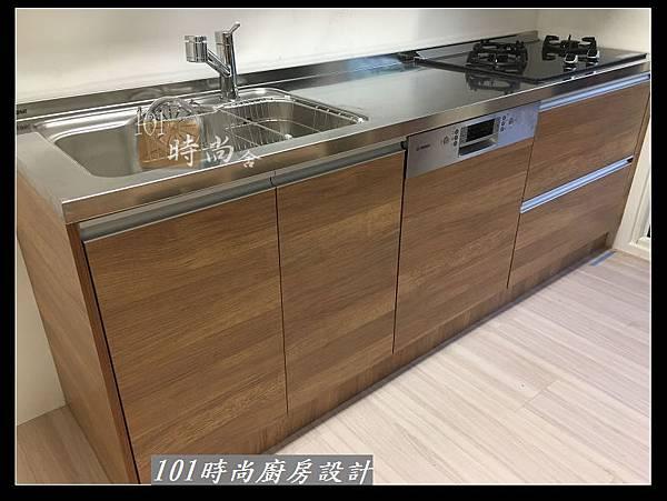 @二字型廚房設計 不鏽鋼檯面+中島櫃 廚具工廠直營 作品分享:政大二街(173).jpg