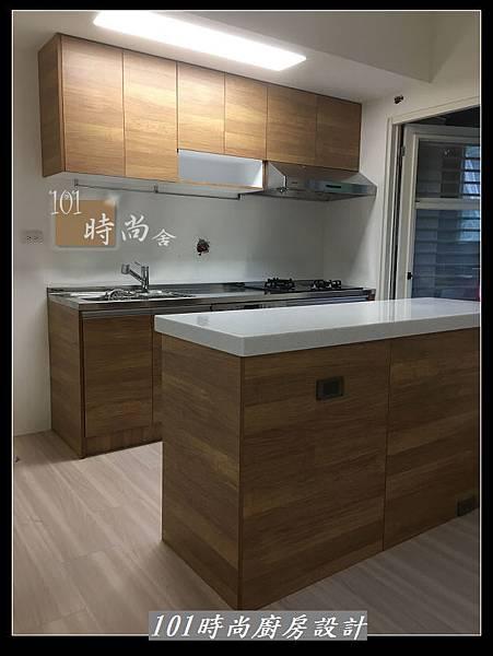 @二字型廚房設計 不鏽鋼檯面+中島櫃 廚具工廠直營 作品分享:政大二街(195).jpg