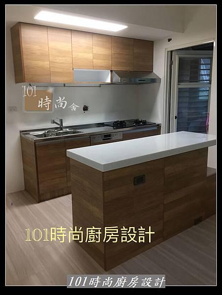 @二字型廚房設計 不鏽鋼檯面+中島櫃 廚具工廠直營 作品分享:政大二街(202).jpg