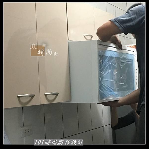 @不鏽鋼檯面 一字廚房設計作品分享:中和黃公館(25).JPG