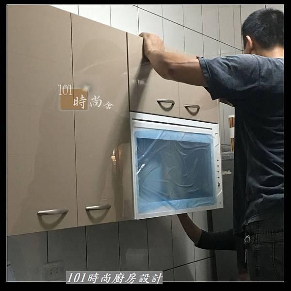 @不鏽鋼檯面 一字廚房設計作品分享:中和黃公館(28).JPG
