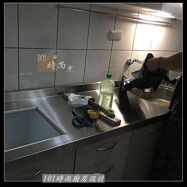 @不鏽鋼檯面 一字廚房設計作品分享:中和黃公館(41).JPG