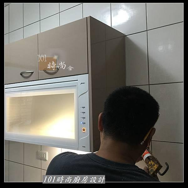 @不鏽鋼檯面 一字廚房設計作品分享:中和黃公館(44).JPG
