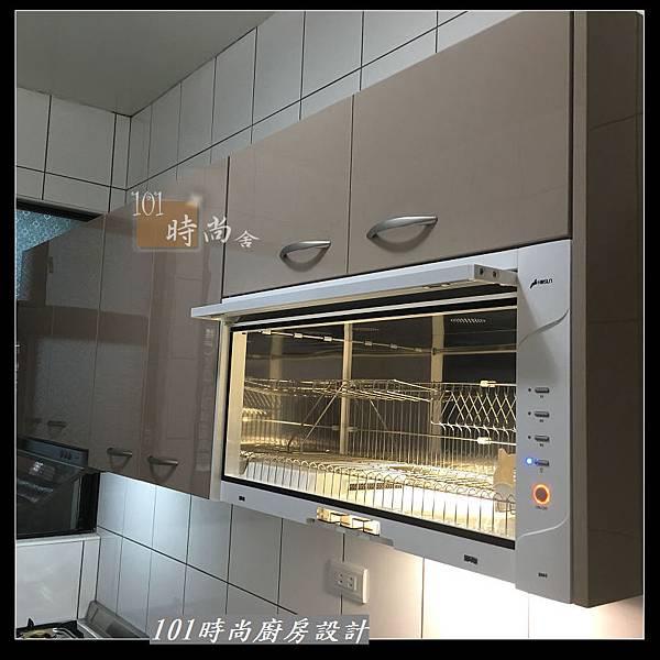 @不鏽鋼檯面 一字廚房設計作品分享:中和黃公館(65).JPG