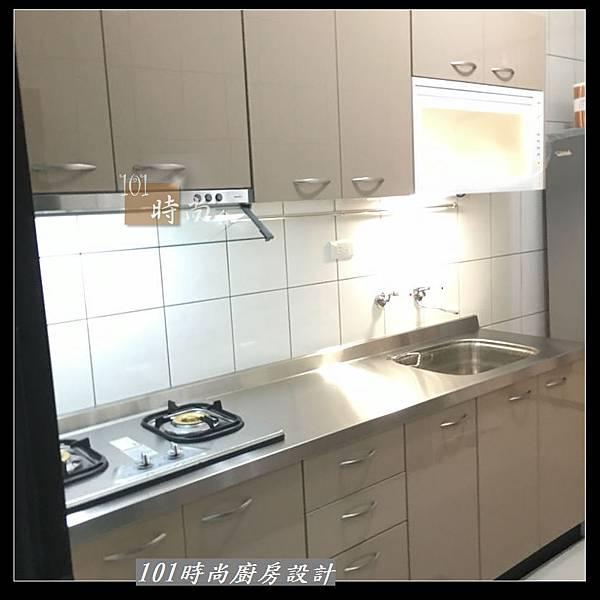 @不鏽鋼檯面 一字廚房設計作品分享:中和黃公館(70).JPG