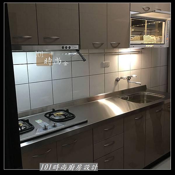 @不鏽鋼檯面 一字廚房設計作品分享:中和黃公館(69).JPG