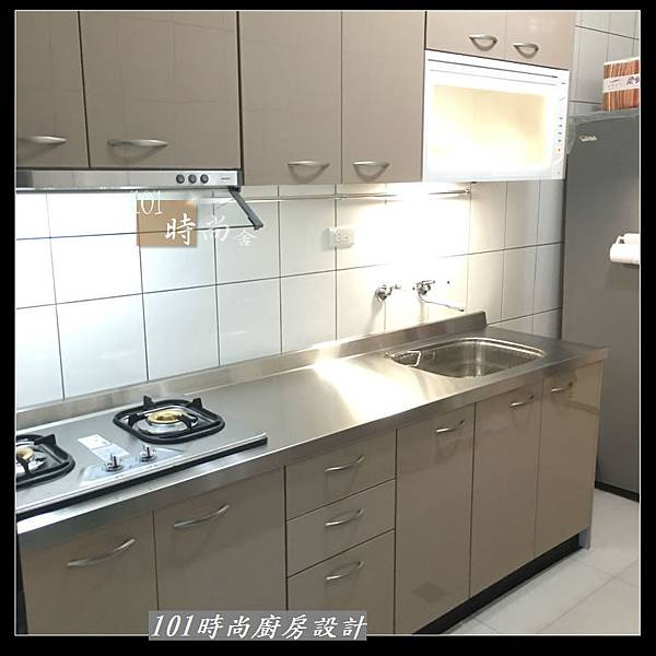 @不鏽鋼檯面 一字廚房設計作品分享:中和黃公館(74).JPG