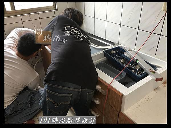 @不鏽鋼檯面一字廚房設計 廚具工廠直營  作品分享:三重陳s公館(30).jpg
