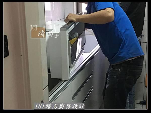 @不鏽鋼檯面一字廚房設計 廚具工廠直營  作品分享:永和謝s公館 (12).JPG