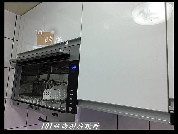 @不鏽鋼檯面一字廚房設計 廚具工廠直營  作品分享:永和謝s公館 (54).JPG