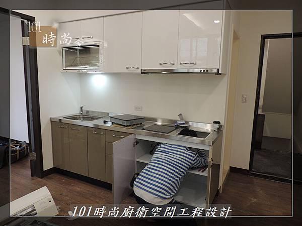 @不鏽鋼檯面一字廚房設計 廚具工廠直營  作品分享:內湖張公館(43).JPG