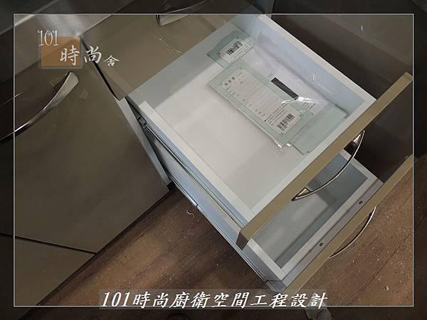 @不鏽鋼檯面一字廚房設計 廚具工廠直營  作品分享:內湖張公館(51).JPG