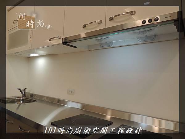 @不鏽鋼檯面一字廚房設計 廚具工廠直營  作品分享:內湖張公館(165).JPG