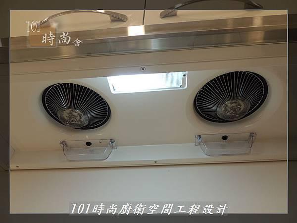 @不鏽鋼檯面一字廚房設計 廚具工廠直營  作品分享:內湖張公館(169).JPG