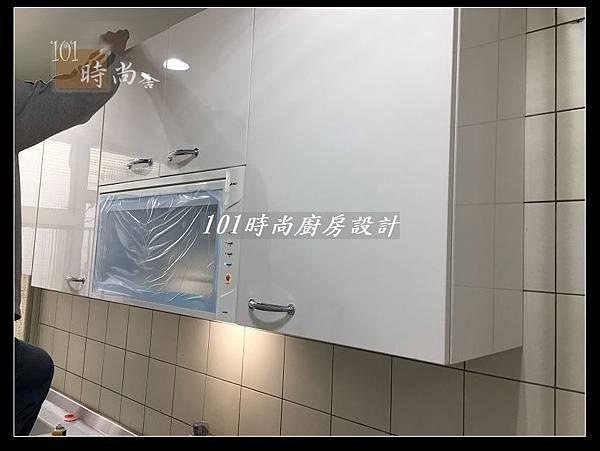 @不鏽鋼檯面一字廚房設計 廚具工廠直營  作品分享:德惠街陳公館(35).JPG