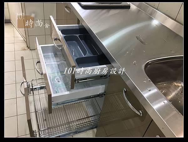 @不鏽鋼檯面一字廚房設計 廚具工廠直營  作品分享:德惠街陳公館(99).JPG