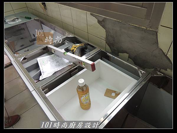 @不鏽鋼檯面一字廚房設計 廚具工廠直營  作品分享:松山路劉公館(7).jpg